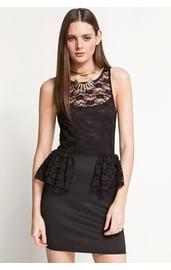 Платье черное с баской из кружева