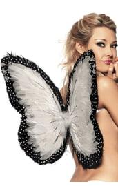 Перьевые крылья бабочки белые