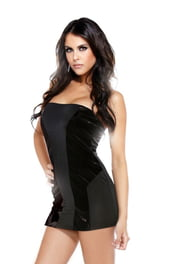 Черное платье с виниловыми вставками