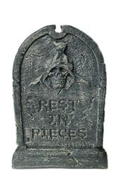 Надгробие с черепом в капюшоне