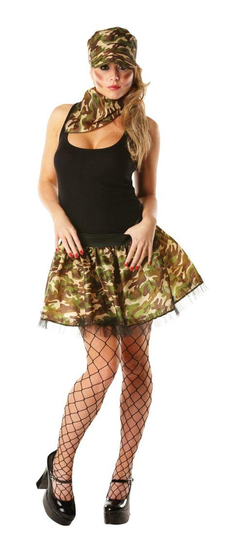 фото военных девушек в стрингах
