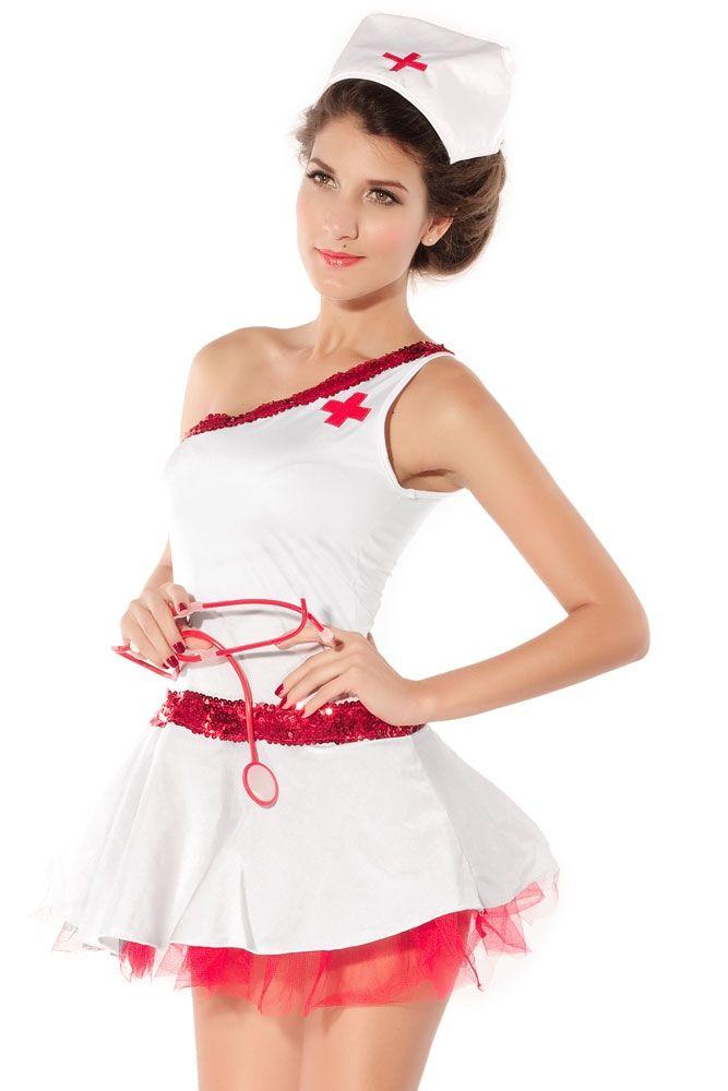 Великолепная медсестра с большой грудью