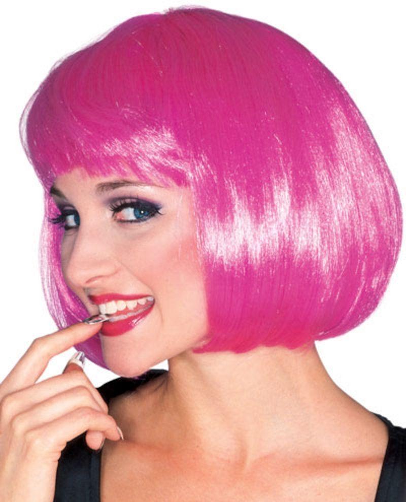 Ярко-розовый парик модели от Vkostume