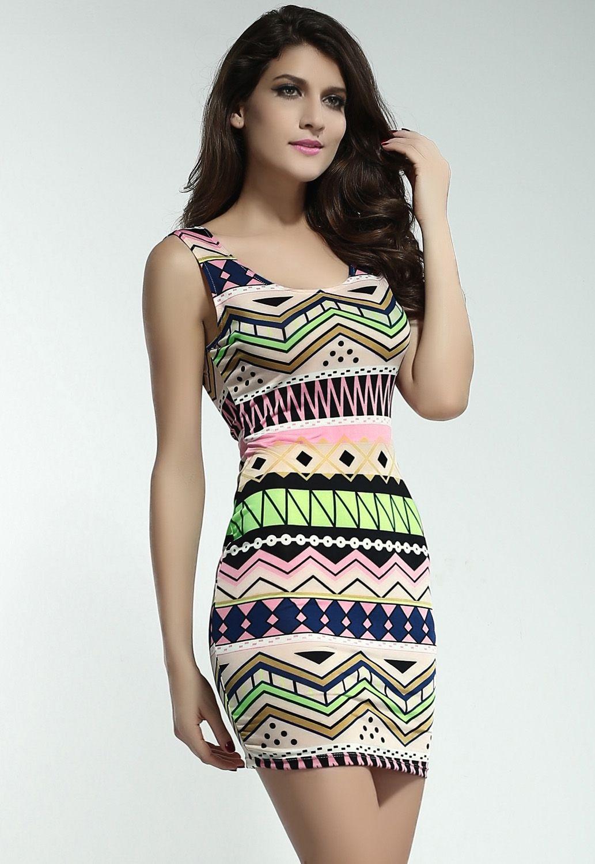 Платье с ярким принтом (44)