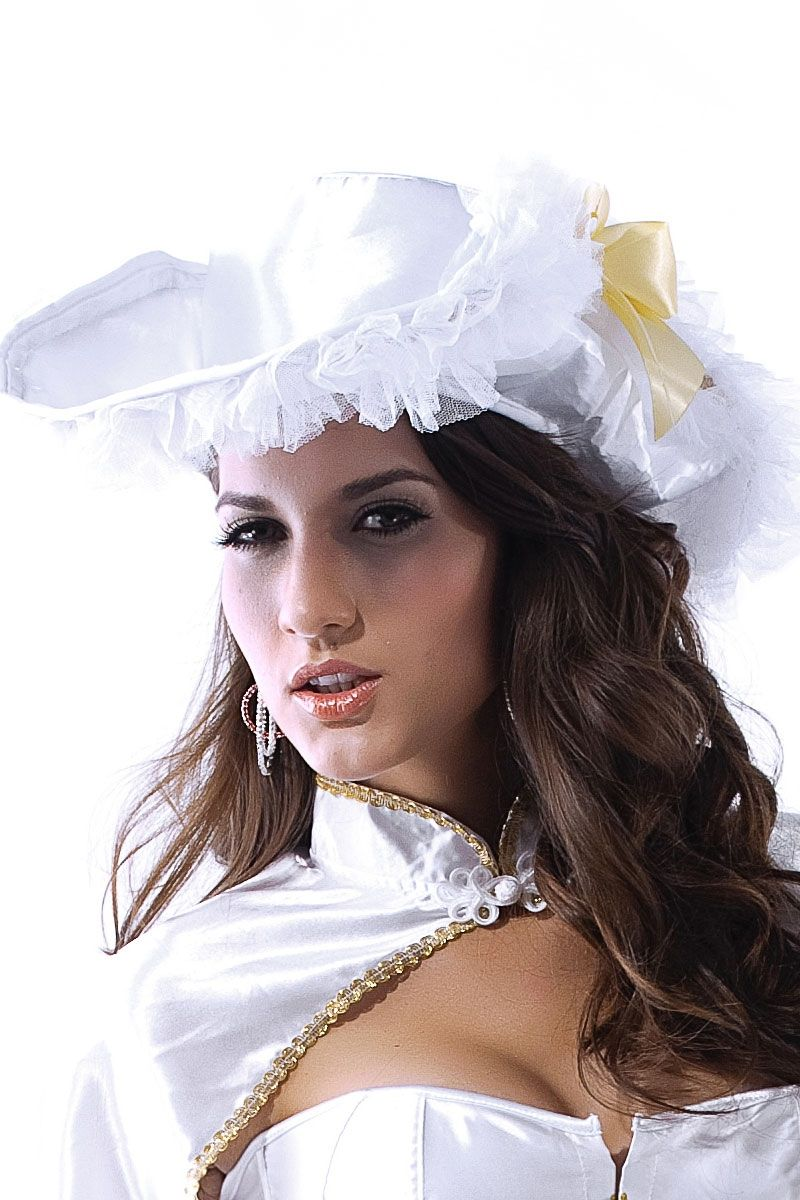 Белая шляпа (44)