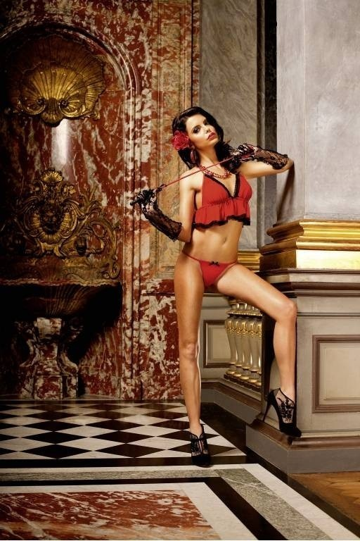 Красный комплект белья с рюшами (42-46) -  Женские комплекты