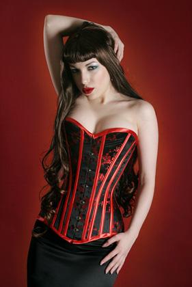 Корсет черный с красным декором (L)