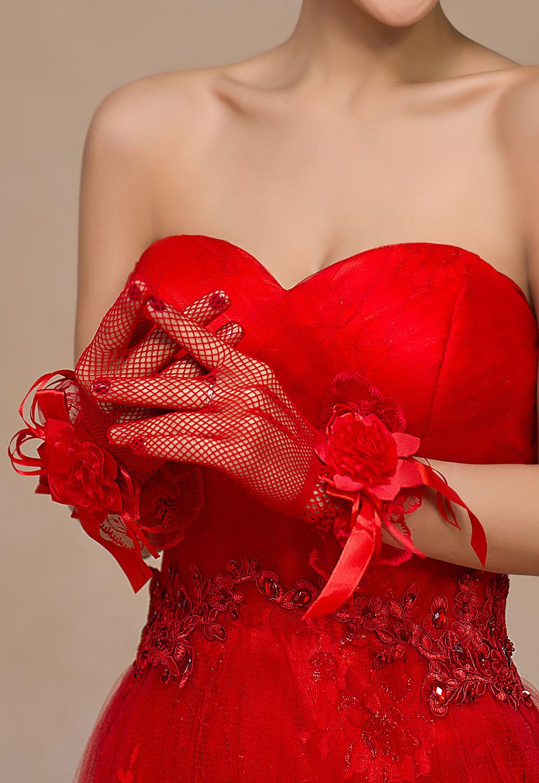 Красные сатиновые перчатки с розами (UNI) - Перчатки и рукава